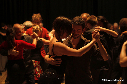 dance tango in the milongas-2